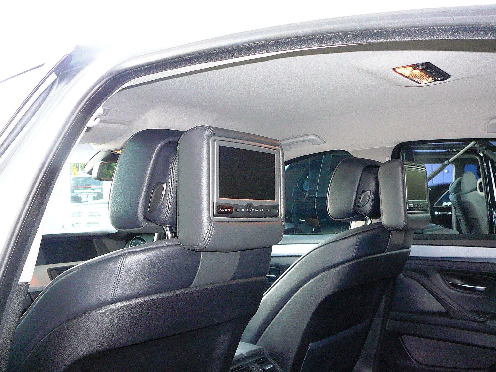 BMW 528i 2010, Rosen AV 7500 rear seat DVD solution.