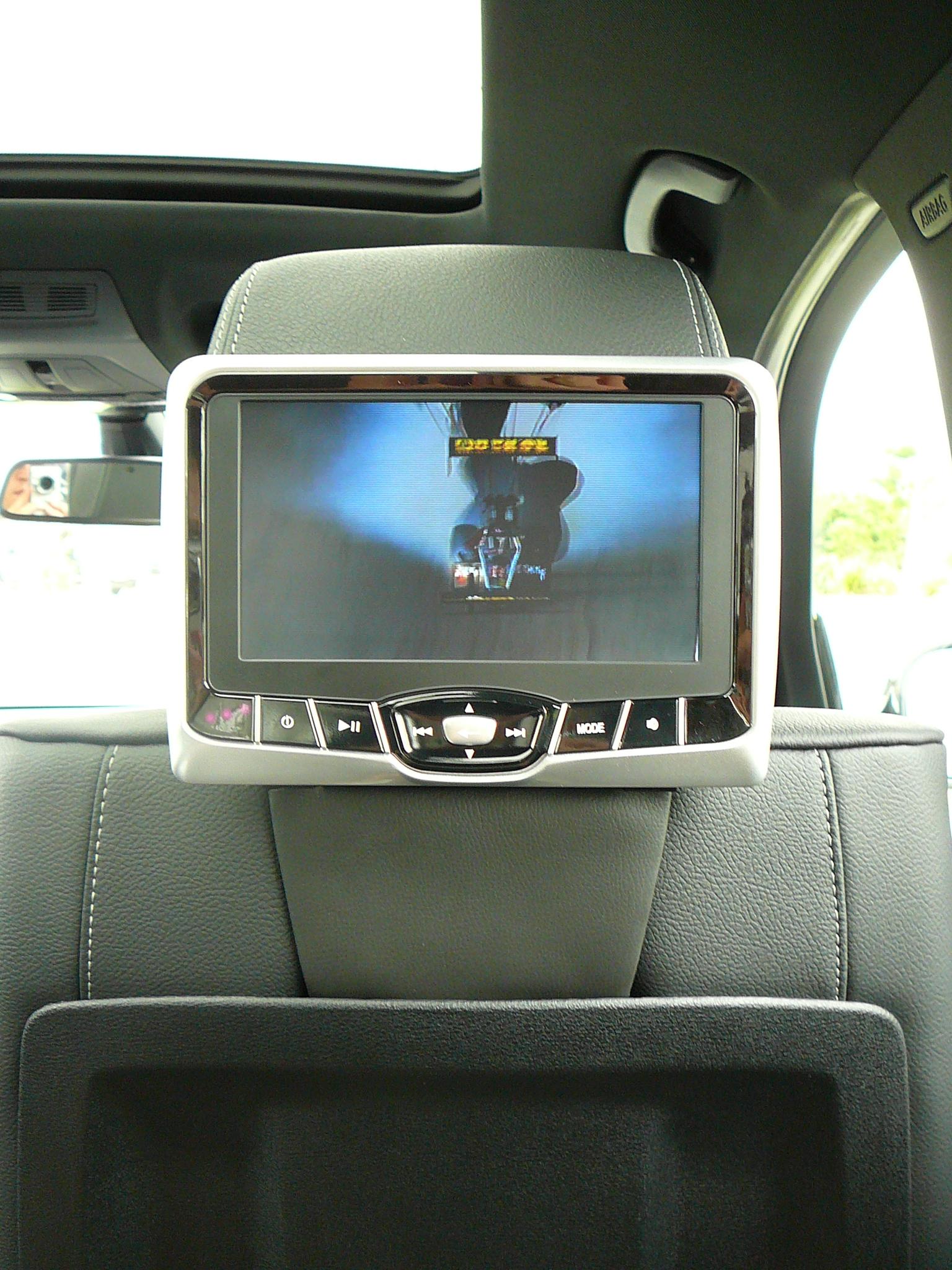 BMW X5 and BMW X3 rear seat DVD upgrade with Rosen AV-7700