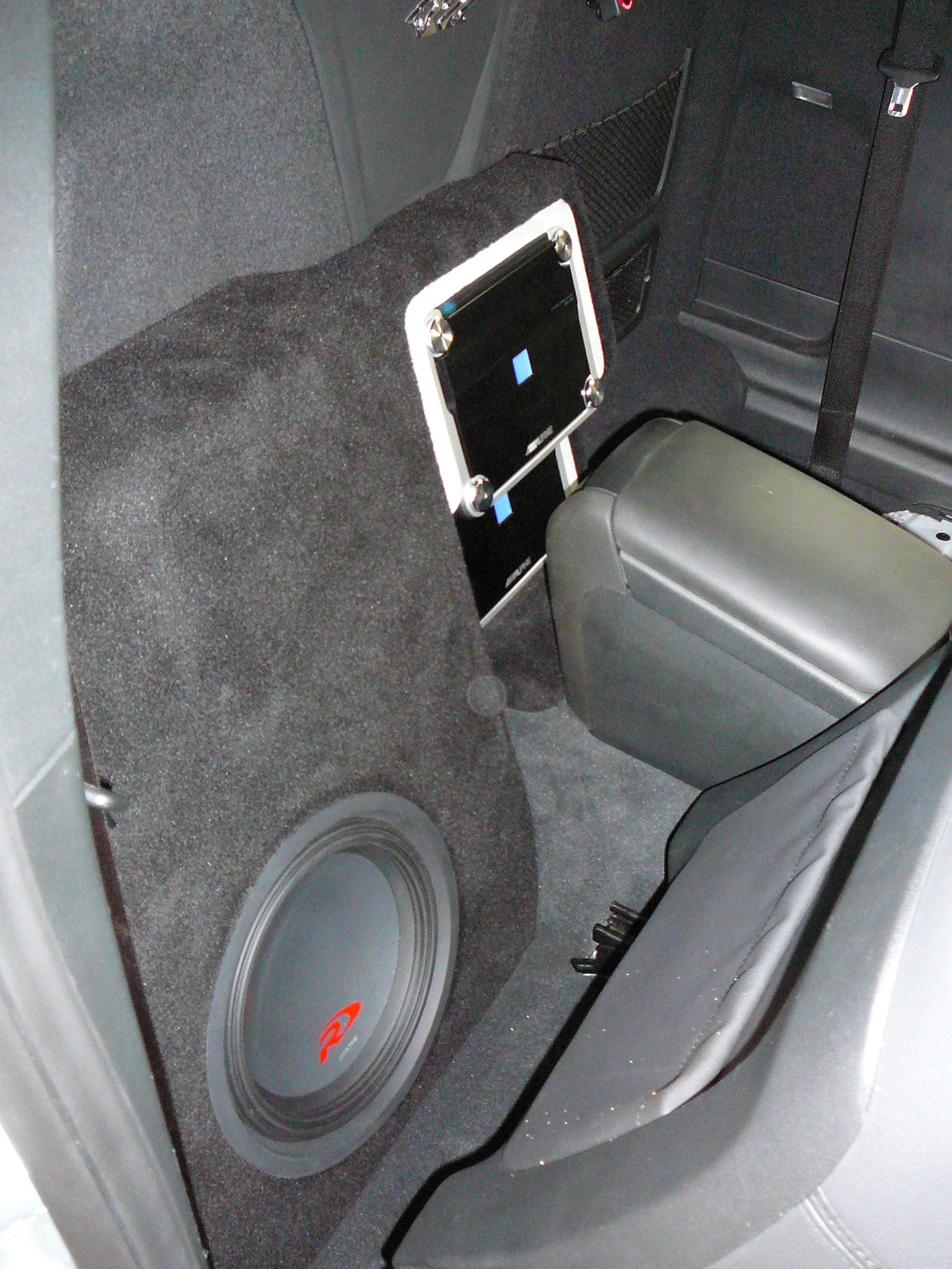 Holden VE Commodore UTE, Alpine Audio at it's best, PDX and Type R system.