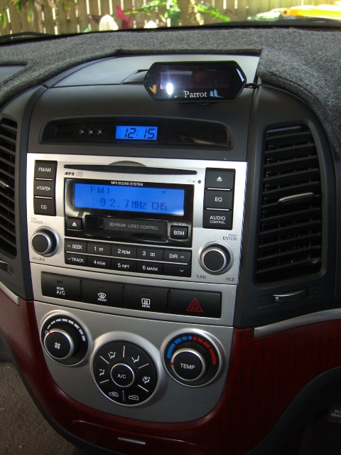 Hyundai Sante Fe with Parrot Bluetooth Phone kit