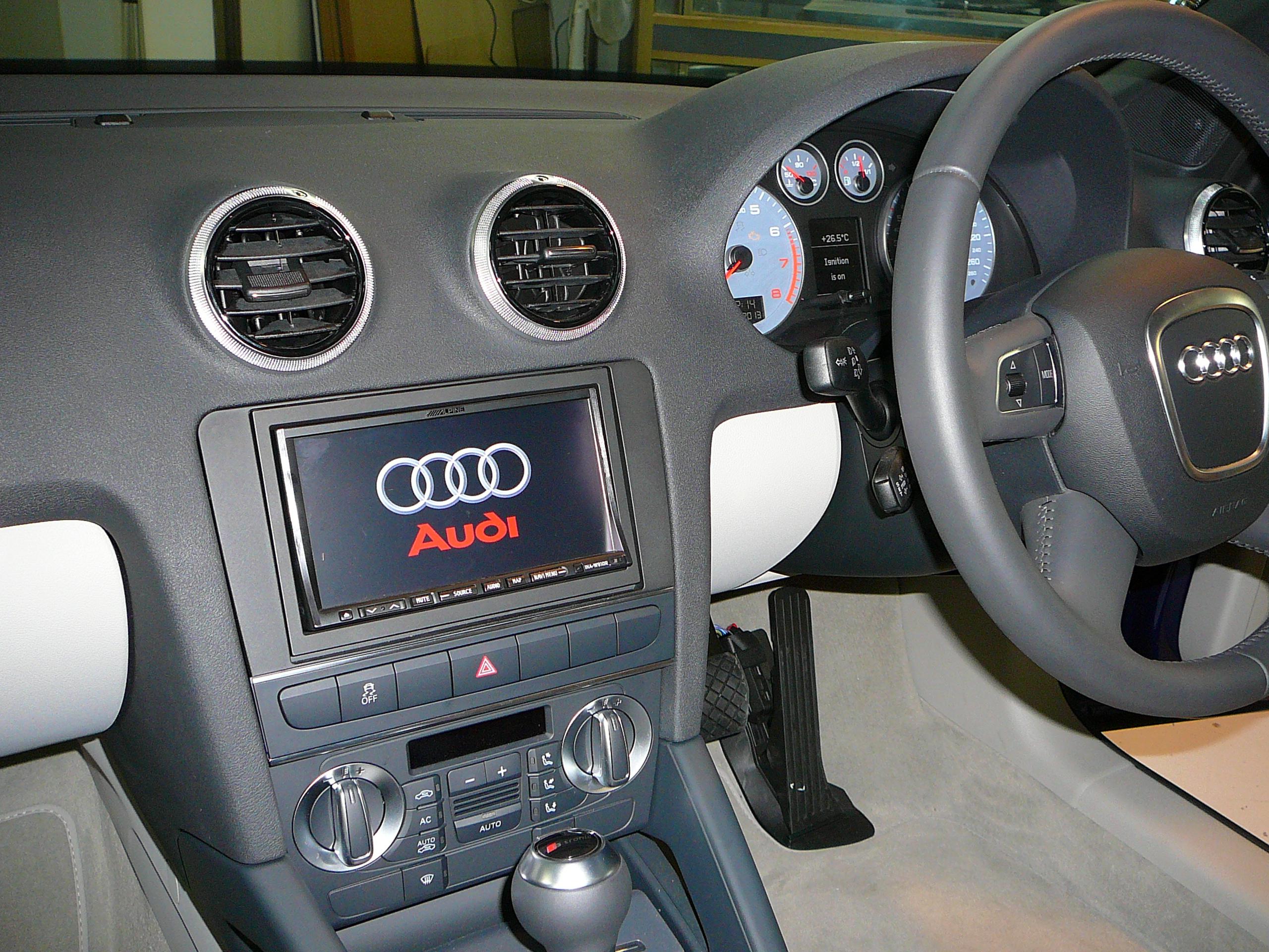 ARTICLE MASAudi A3 Cabriolet 2013, Alpine GPS Navigation & CameraTER