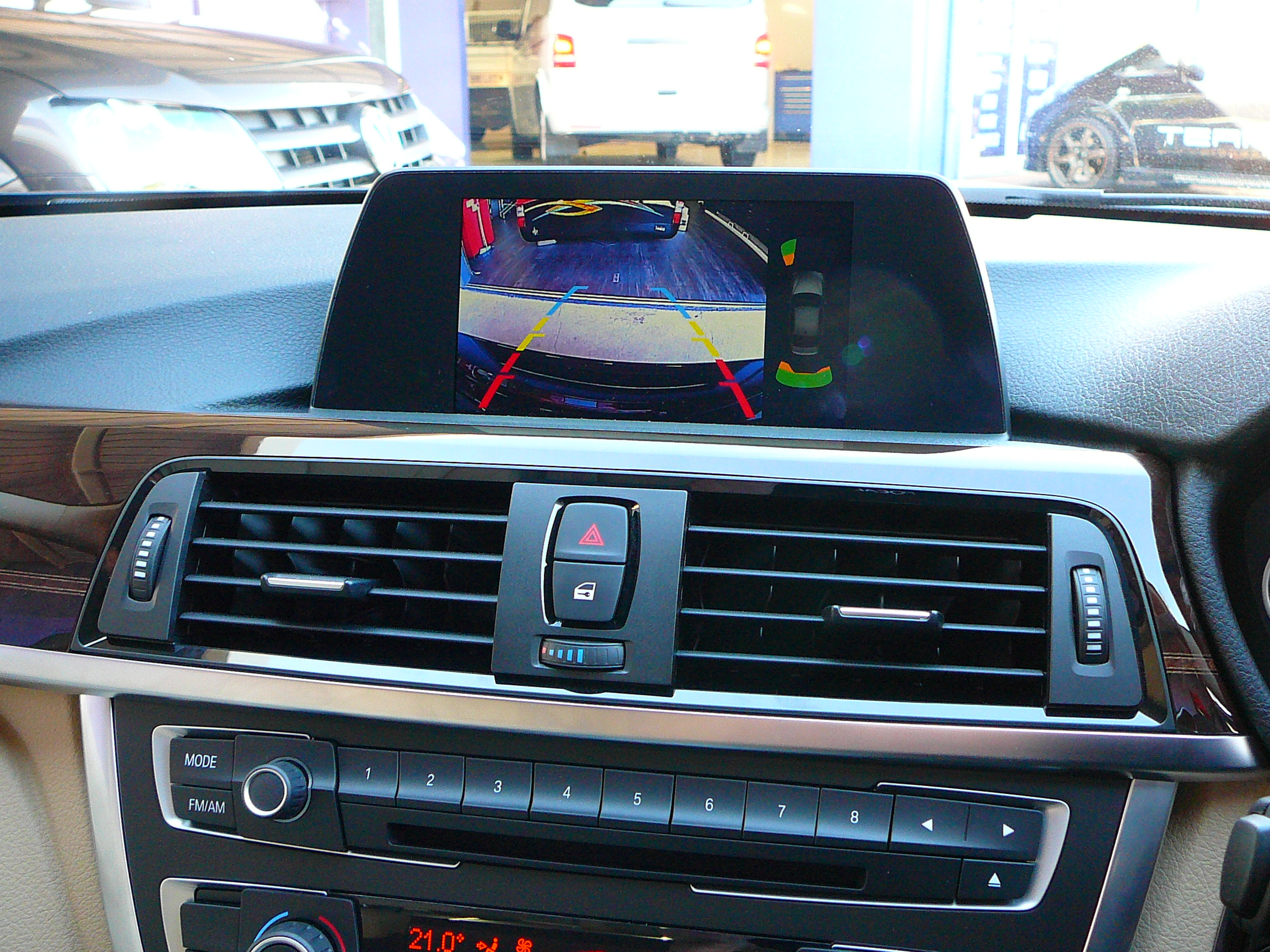 BMW 2013 3 & 5 Series, Reverse Camera Solutions