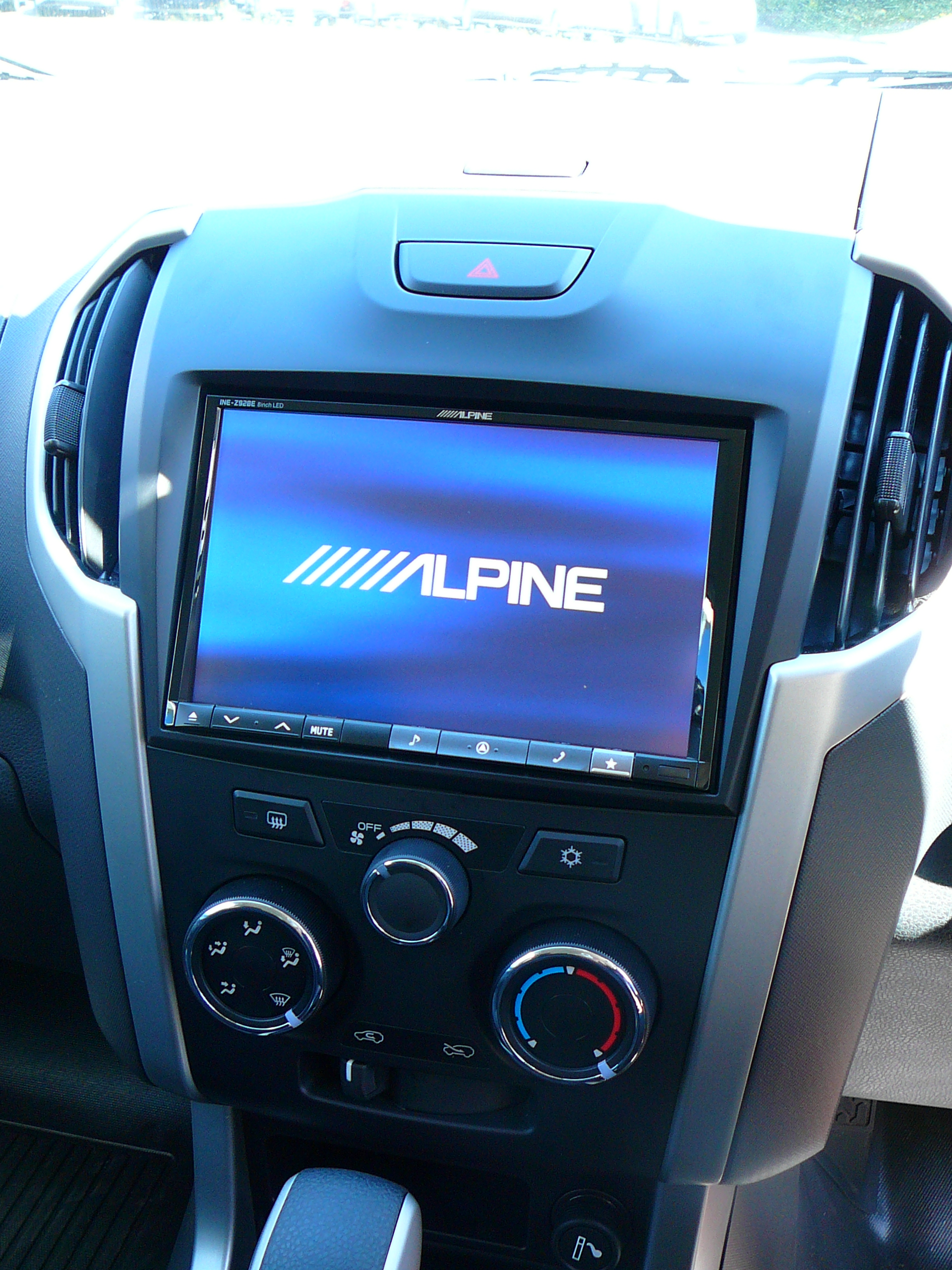 Isuzu D-Max 2013,Alpine INE-W928 8 Inch GPS Navigation & Reverse Camera
