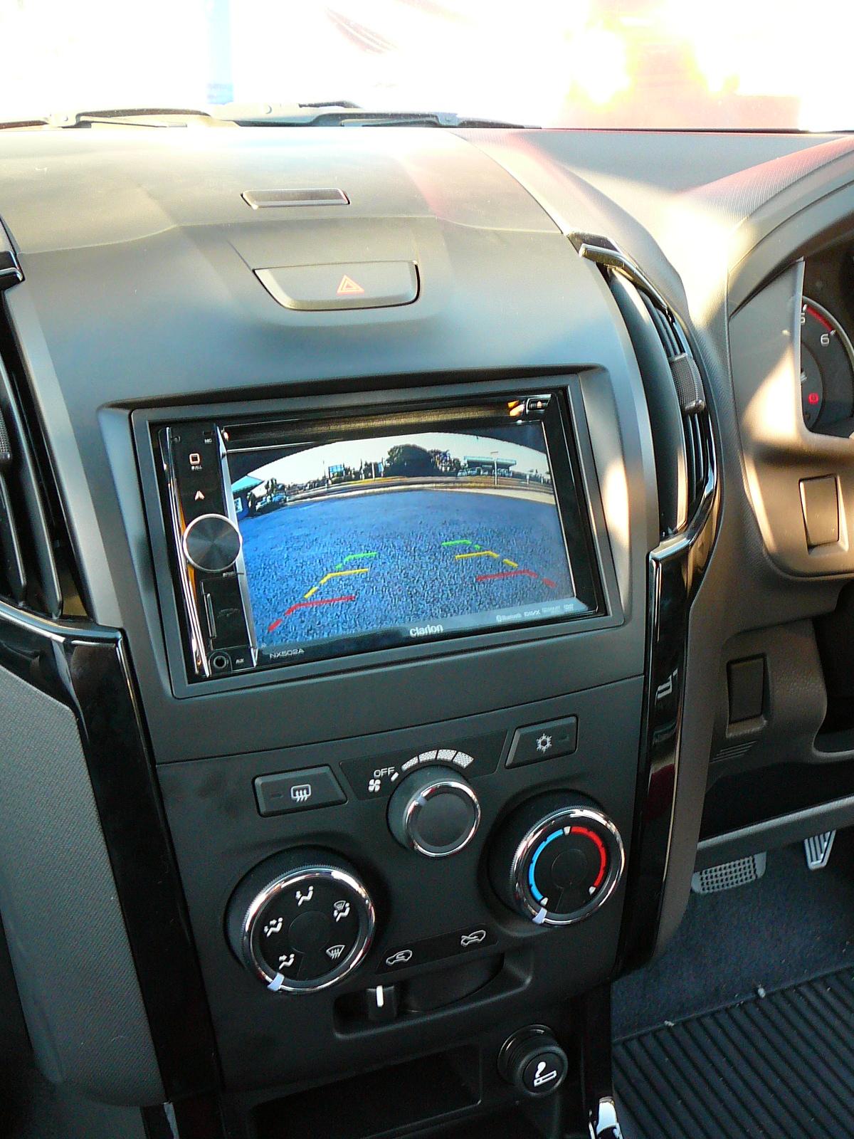 Isuzu D Max 2014 Clarion Nx502a Gps Navigation Amp Reverse
