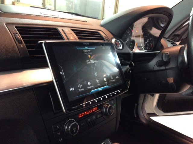 BMW 1 Series fitted with Alpine 9″ Halo iLX-F309e
